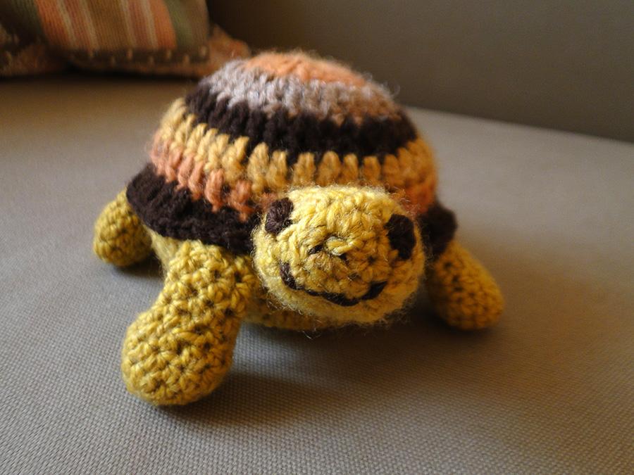 żółw z włóczki