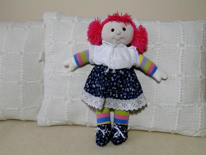 Ręcznie szyta lala
