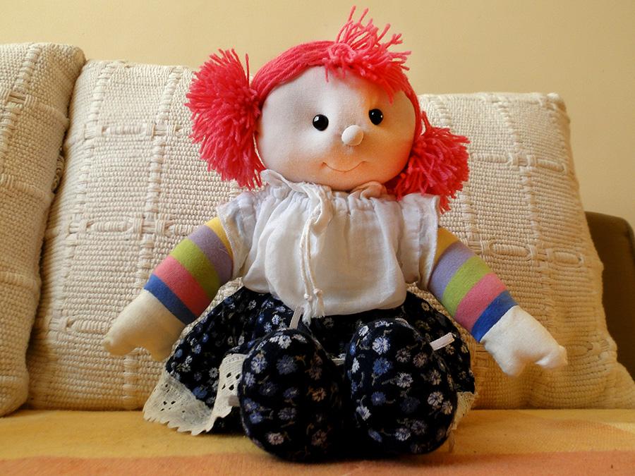 Lala szmacianka wykonana ręcznie z naturalnych materiałow. Może być miłą zabawką i pamiątką na długie lata.