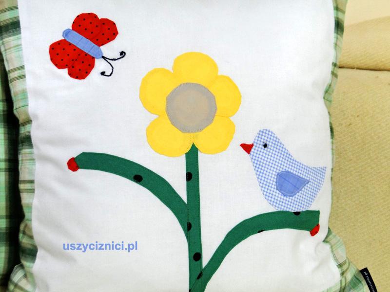 Uszyci z Nici w wiosennym nastroju. Kolorowa aplikacja napoduszce tworzy tekstylny obrazek na poduszce.