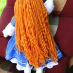 Lalka z długimi włosami do czesania. Wykonama ręcznie włosy przyszyte ręcznie.