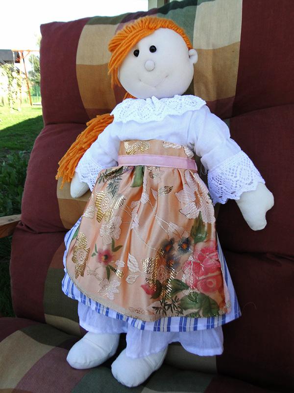 Lalka w stroju śląskim