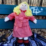 Lalka wykonana ręcznie. Ubranko dla lali uszyte na maszynie. Cała zabawka uszyta z naturalnych szmatek.